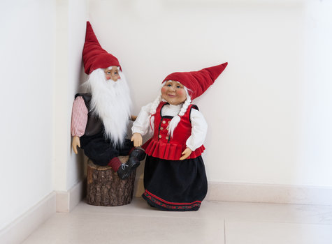 Decorating gnomes